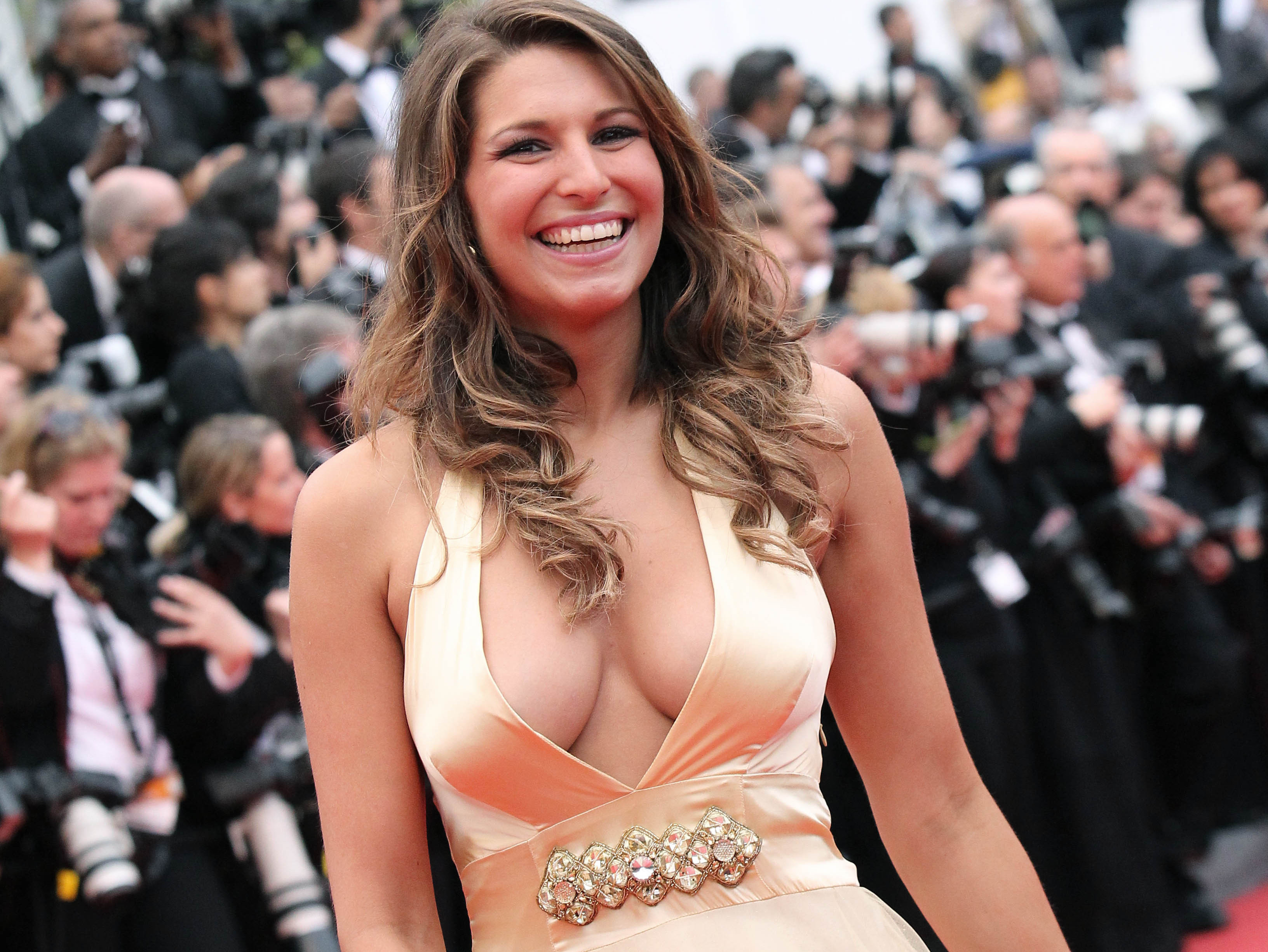 star-24-tv-laury-thilleman-miss-france-cannes