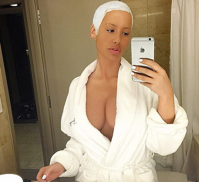 amber-rose-sexy-instagram-milf-photos-22