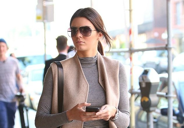 star24-tv-kendall-jenner-combattre-froid-classe-une