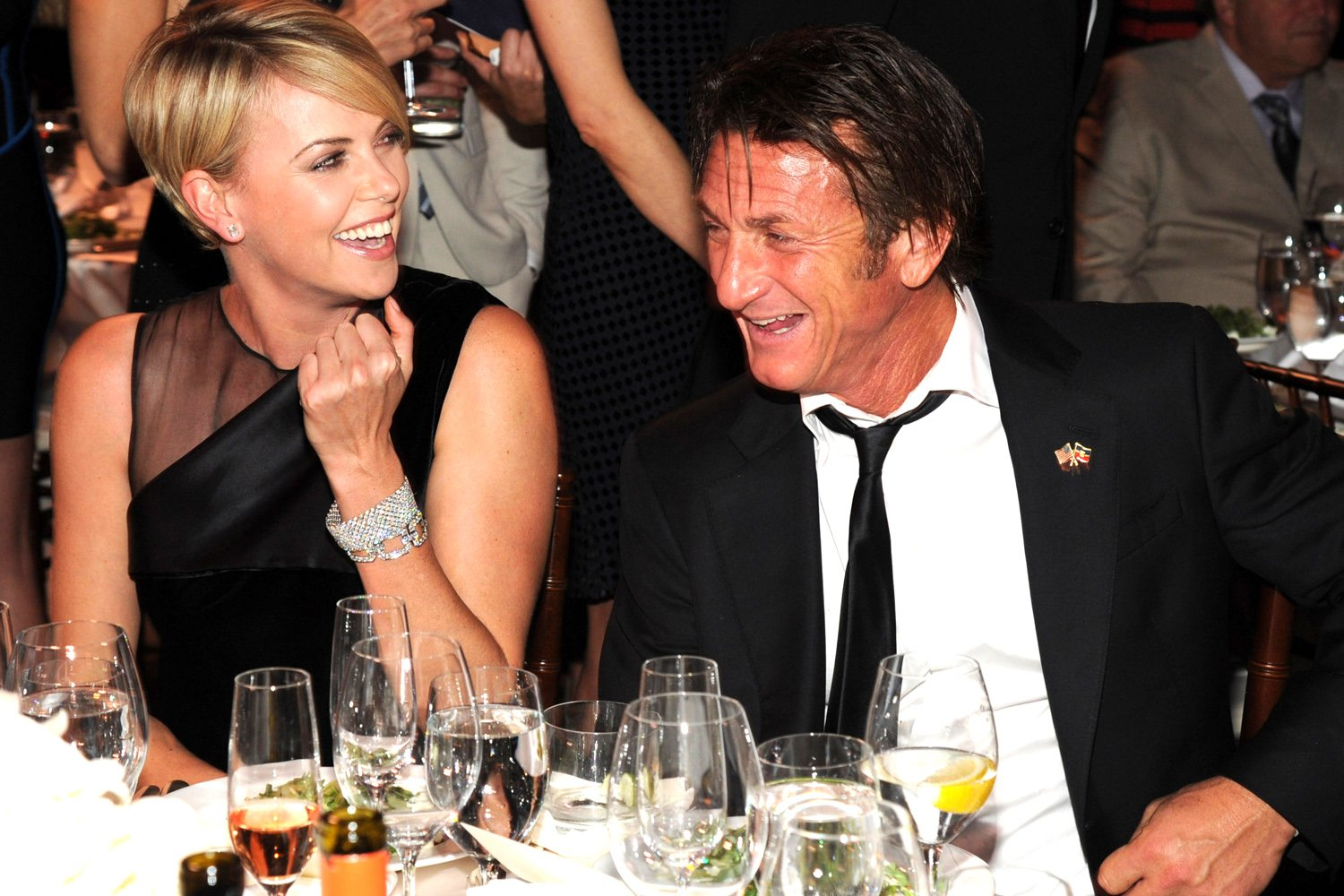 Sean-Penn-Charlize-Theron-2