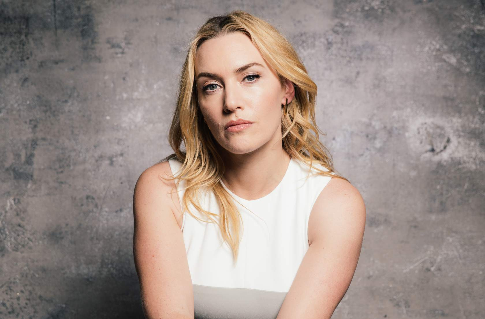 """In this Sunday, March 8, 2015 photo, Kate Winslet poses for a portrait during press day for """"Insurgent"""" at The Four Seasons Hotel, in Los Angeles. (Photo by Casey Curry/Invision/AP)"""