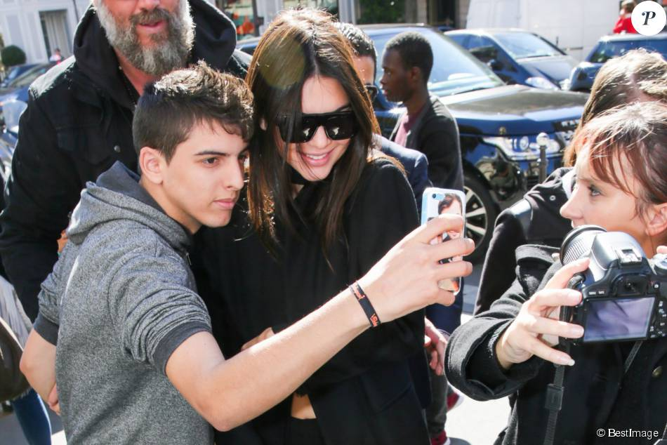 1948929-kendall-jenner-arrive-a-son-hotel-le-950x0-1