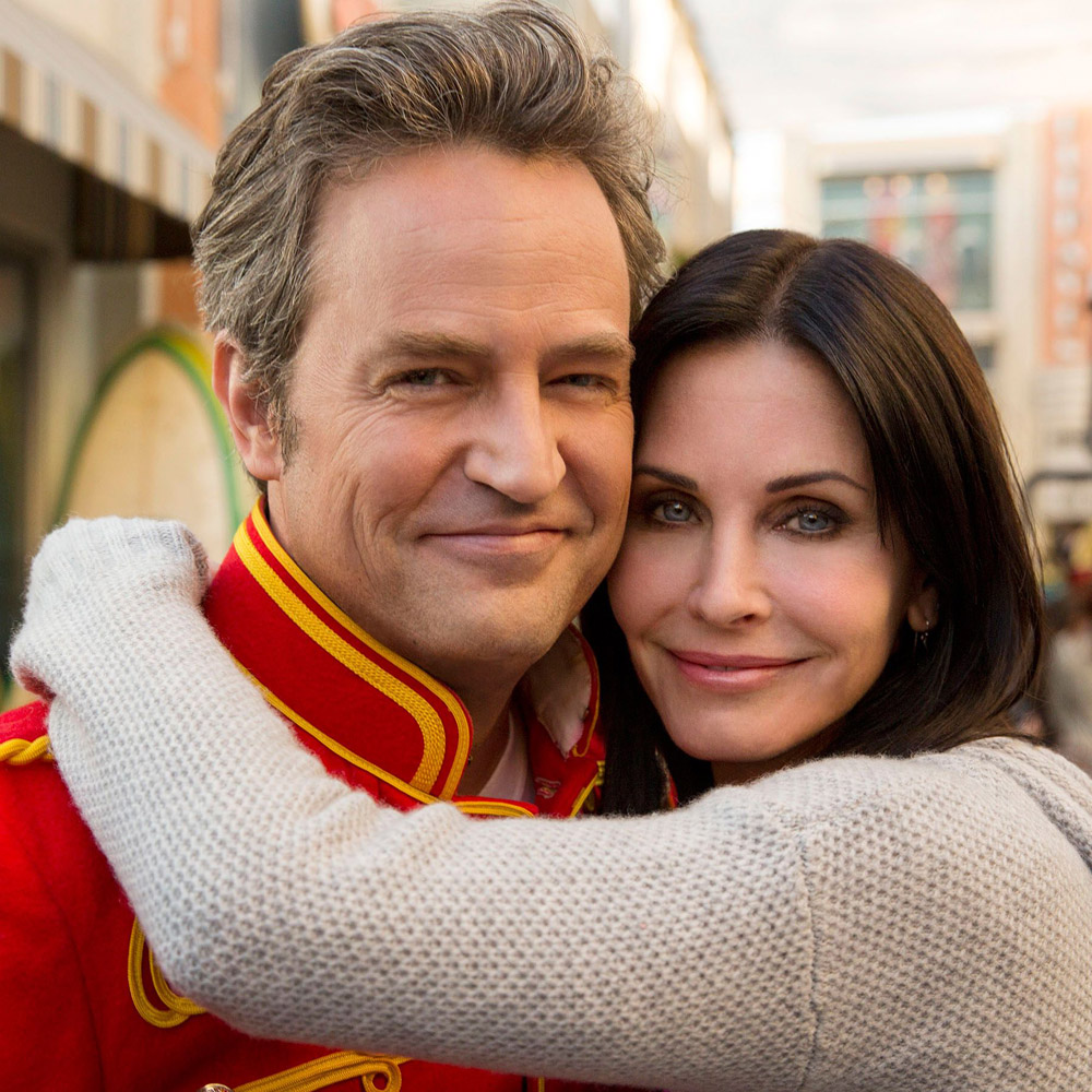 No Merchandising. Editorial Use Only. No Book Cover Usage Mandatory Credit: Photo by Everett/REX/Shutterstock (3585781i) Matthew Perry, Courteney Cox Cougar Town Season 5- Jan 2014