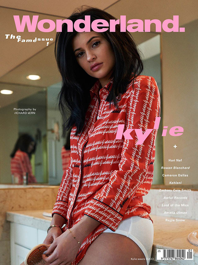 KYLIE JENNER UNE
