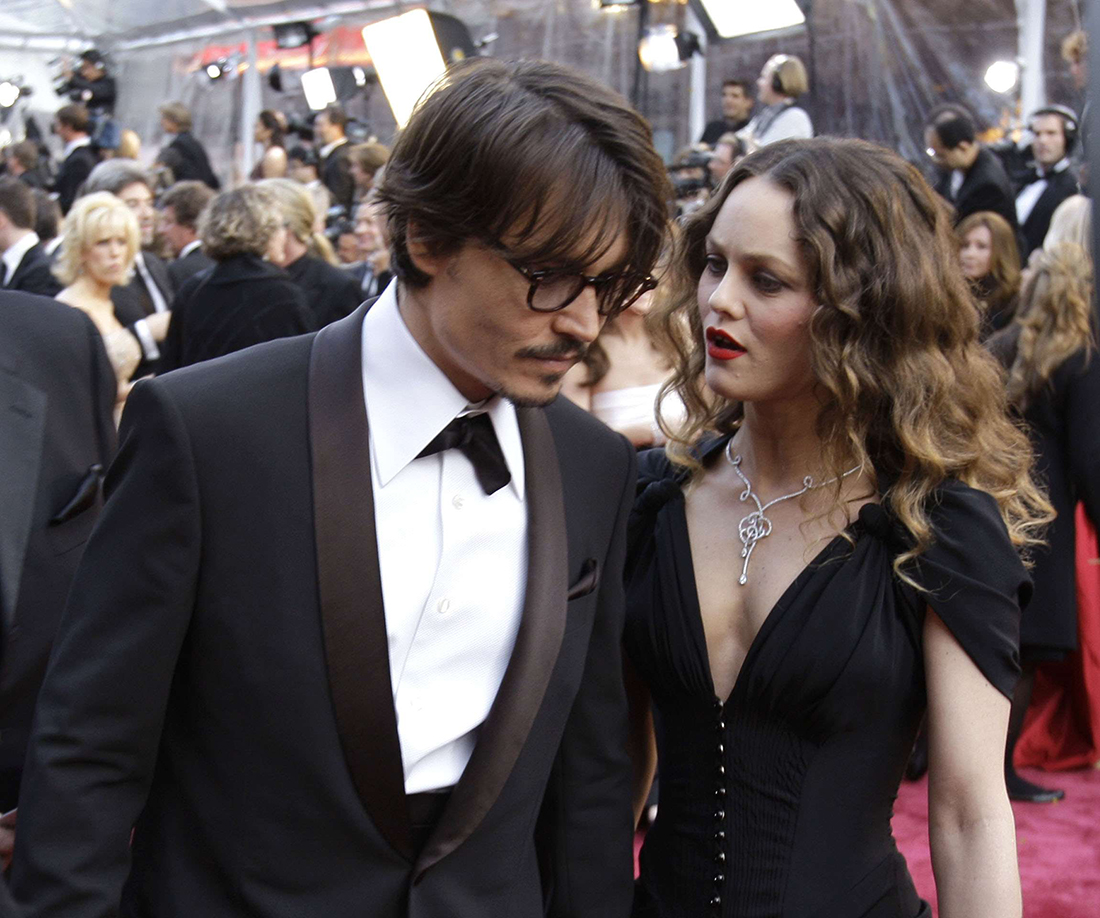 "Johnny Depp, nominated for an Oscar for best actor in a leading role for his work in ""Sweeney Todd The Demon Barber of Fleet Street,"" left, and Vanessa Paradis arrive for the 80th Academy Awards Sunday, Feb. 24, 2008, in Los Angeles. (AP Photo/Chris Carlson)/Oscars_Oscar_Insider_CAMW285/0802250445"