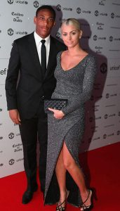 photos-anthony-martial-et-melanie-da-cruz-amoureux-et-glamour-le-footballeur-et-sa-belle-officialisent-_portrait_w674-1