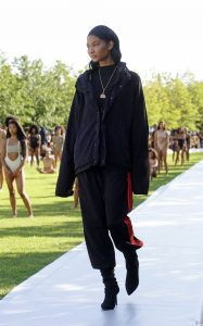 2859317-chanel-iman-defile-yeezy-season-4-de-950x0-1