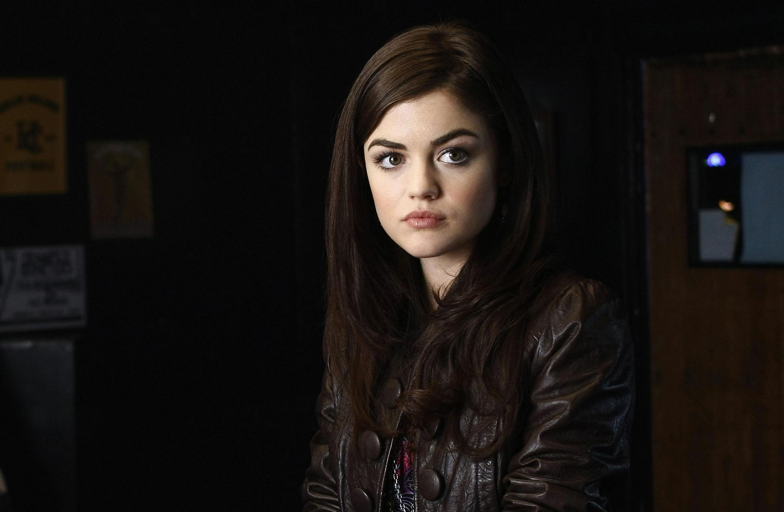 6839420-lucy-hale