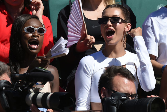 photos-bella-hadid-s-eclate-a-roland-garros-_portrait_w674-1