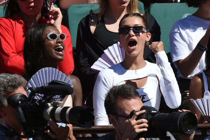 photos-bella-hadid-s-eclate-a-roland-garros-_portrait_w674-3