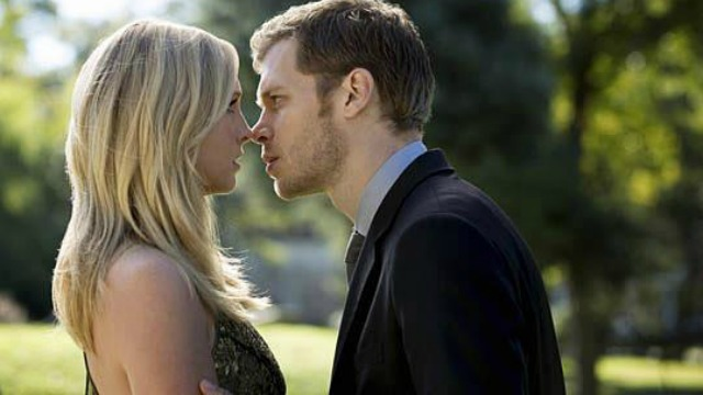 vampire-diaries-klaroline-moments-that-are-swoon-worthy-season-4-episode-7